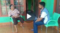Kasat Intelkam Polres Bengkulu Selatan berdialog dengan masyarakat saat monitoring sejumlah rumah kos di sekitar Mapolres