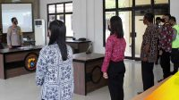 Polres Bangka Barat Polda Babel melaksanakan penandatanganan pakta integritas dan pengambilan sumpah peserta seleksi Caba Polri Tahun 2020