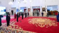 Presiden Joko Widodo melantik sembilan anggota Kompolnas masa bakti 2020-2024 di Istana Negara, Jakarta, Rabu