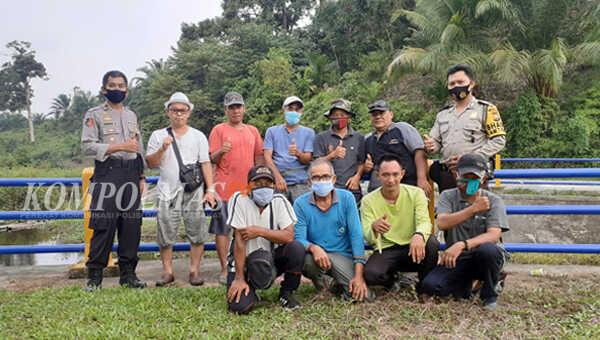 Para deklarator Dayung Serunting foto bareng usai deklarasi