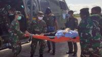 Korban terluka dievakusi menggunakan Helikopter Caracal TNI AU dari Sugapa, Intan Jaya, menuju Timika, pukul 07.00 WIT