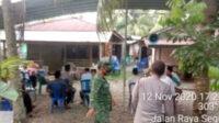 Untuk memastikan protokol kesehatan diterapkan para pelayat, rumah duka tengah diawasi ketat personel TNI dan Polri, dibantu tim medis Puskesmas setempat