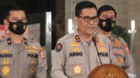 Argo meminta masyarakat mewaspadai kemungkinan munculnya aksi teror selama malam pergantian tahun baru 2021, meski petugas telah menangkap beberapa terduga teroris