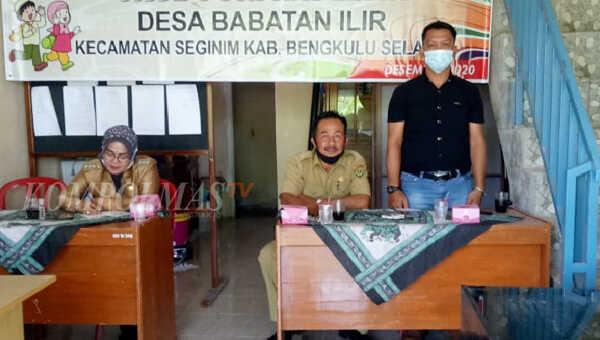 Kasi Pemerintahan Kecamatan Seginim menyampaikan kata sambutan pembukaan pelatihan PAUD Puri Raflesia Desa Babatan Ilir