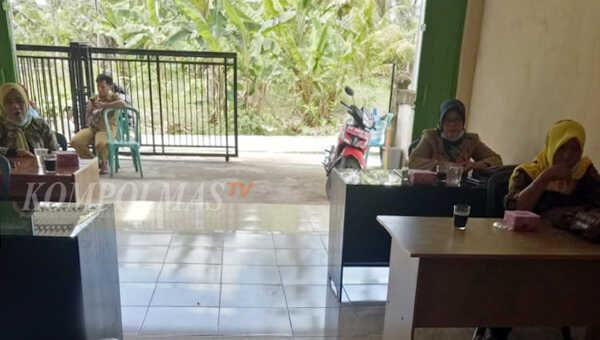 Para peserta pelatihan tenaga pendidik dan bunda PAUD Puri Raflesia Desa Babatan Ilir