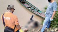 Mayat ini saat ditemukan tengah mengapung dan hanyut di Sungai Ogan, wilayah Desa Tanjung Dalam