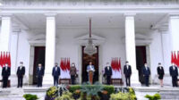 Perkenalan para putra dan putri terbaik bangsa yang telah memiliki pengalaman internasional tersebut berlangsung di veranda Istana Merdeka, Jakarta, Selasa