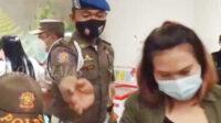 Satpol PP DKI Jakarta dibantu Satpol PP Jakarta Barat mengobrak-abrik dua tempat karaoke. Puluhan orang diganjar sanksi tegas karena tidak taat protokol kesehatan, tempat tersebut ditutup selama PPKM, pemilik dan pengelola tempat usaha juga bakal diganjar sanksi