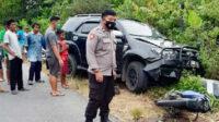 Tabrakan maut ini terjadi di tikungan jalan raya Desa Air Gantang, Kecamatan Parit Tiga, Kabupaten Bangka Barat, Kepulauan Bangka Belitung, Minggu sore